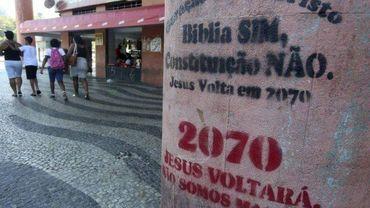 A Igreja Pentecostal Geração Jesus Cristo, do Rio de Janeiro, picha ruas anunciando volta de Jesus